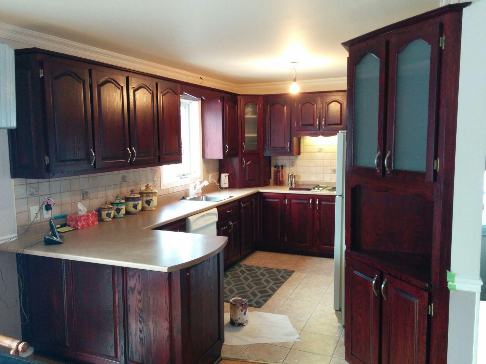 r nover d caper ou transformer ses armoires de cuisine conomiquement r nover sa cuisine. Black Bedroom Furniture Sets. Home Design Ideas