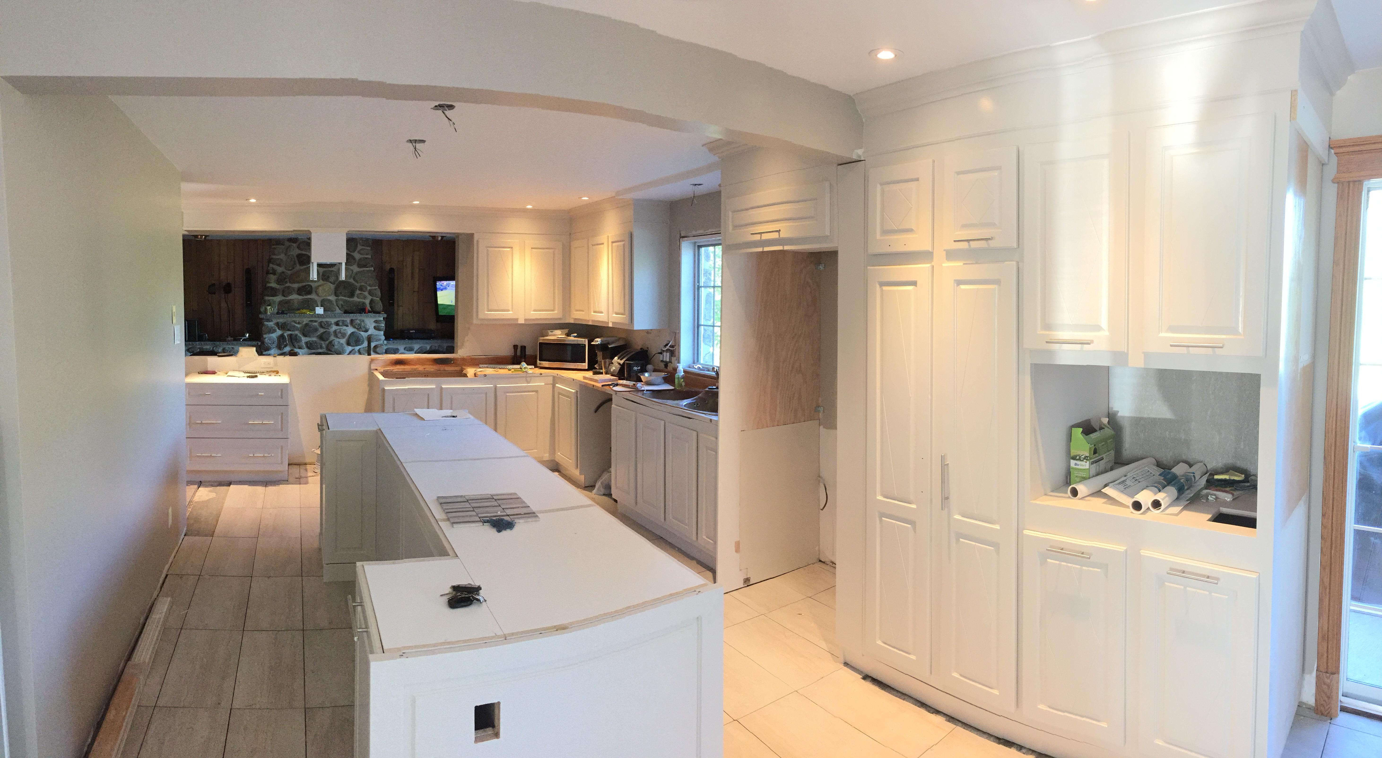 resurfacage refacing c 39 est changer juste une partie des armoires r nover sa cuisine. Black Bedroom Furniture Sets. Home Design Ideas