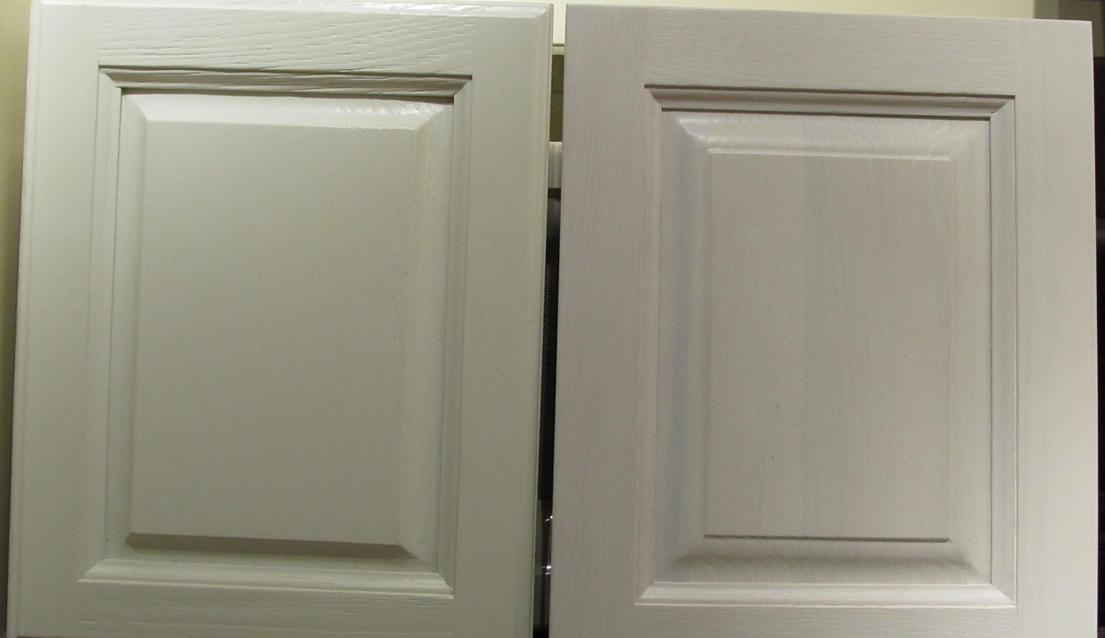 Incroyable peindre des armoires de cuisine blanc ou cr me iqt4 appareils de cuisineappareils for Peindre armoire bois en blanc